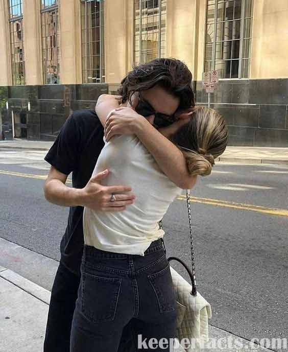 16 signs that he loves you